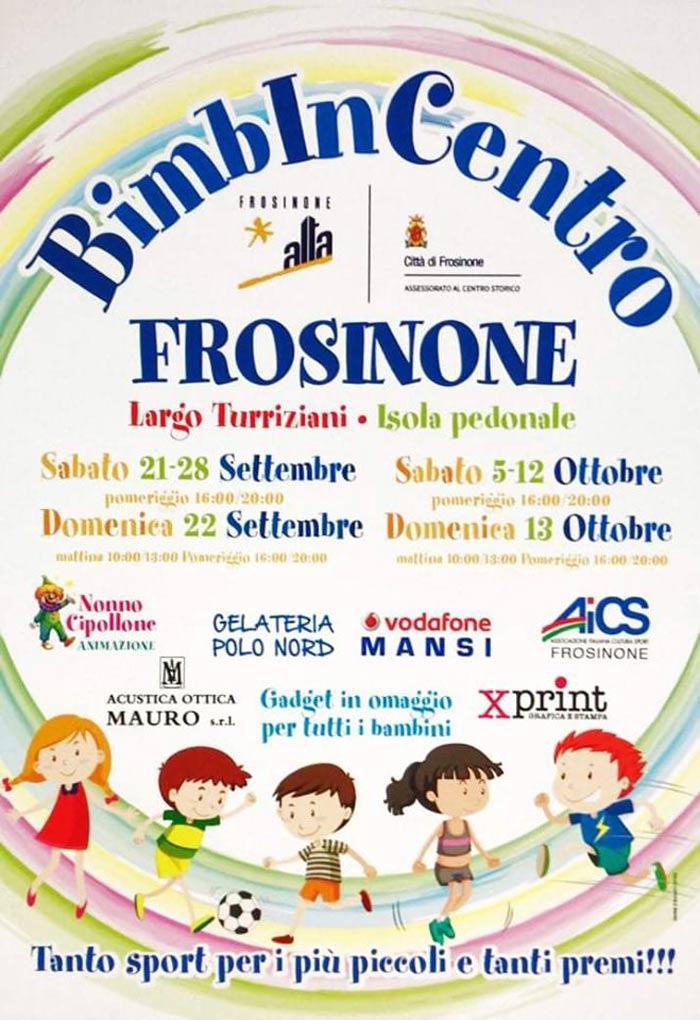 Bimbi in centro a Frosinone