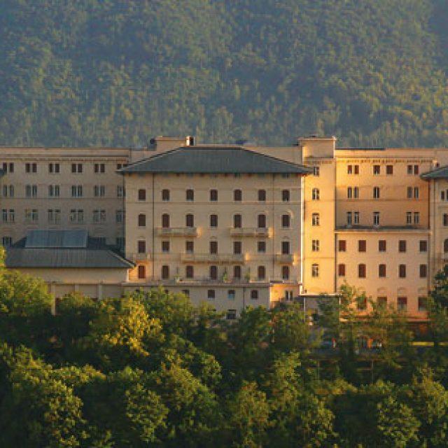 Fiuggi: il Palazzo della Fonte nel gruppo Forte Village