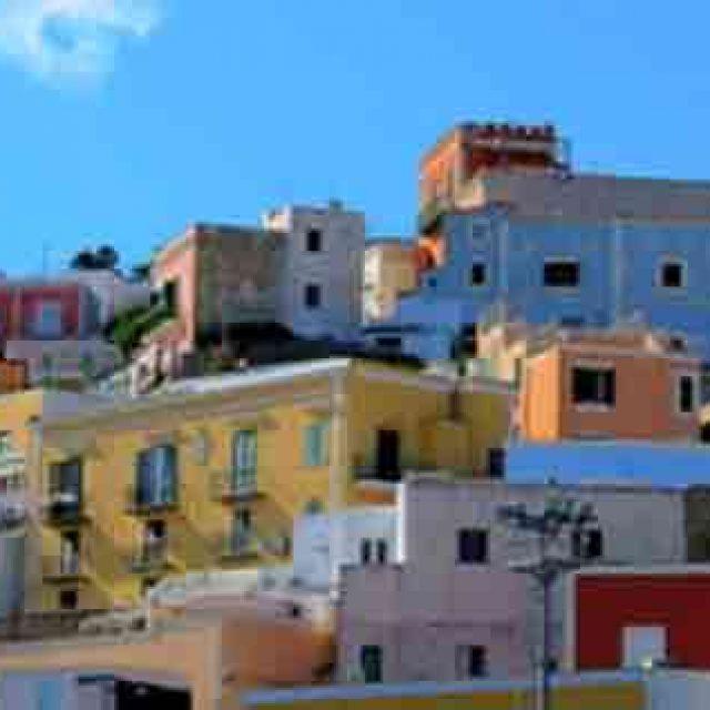 Un Weekend a Ponza, l'Isola più Glamour delle Isole Pontine